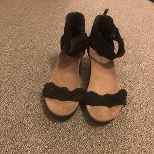 Size 9 Black Wedges